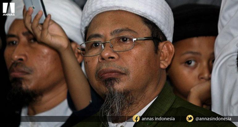 ANEH TAPI NYATA, ORANG ISLAM MENGHANCURKAN ISLAM